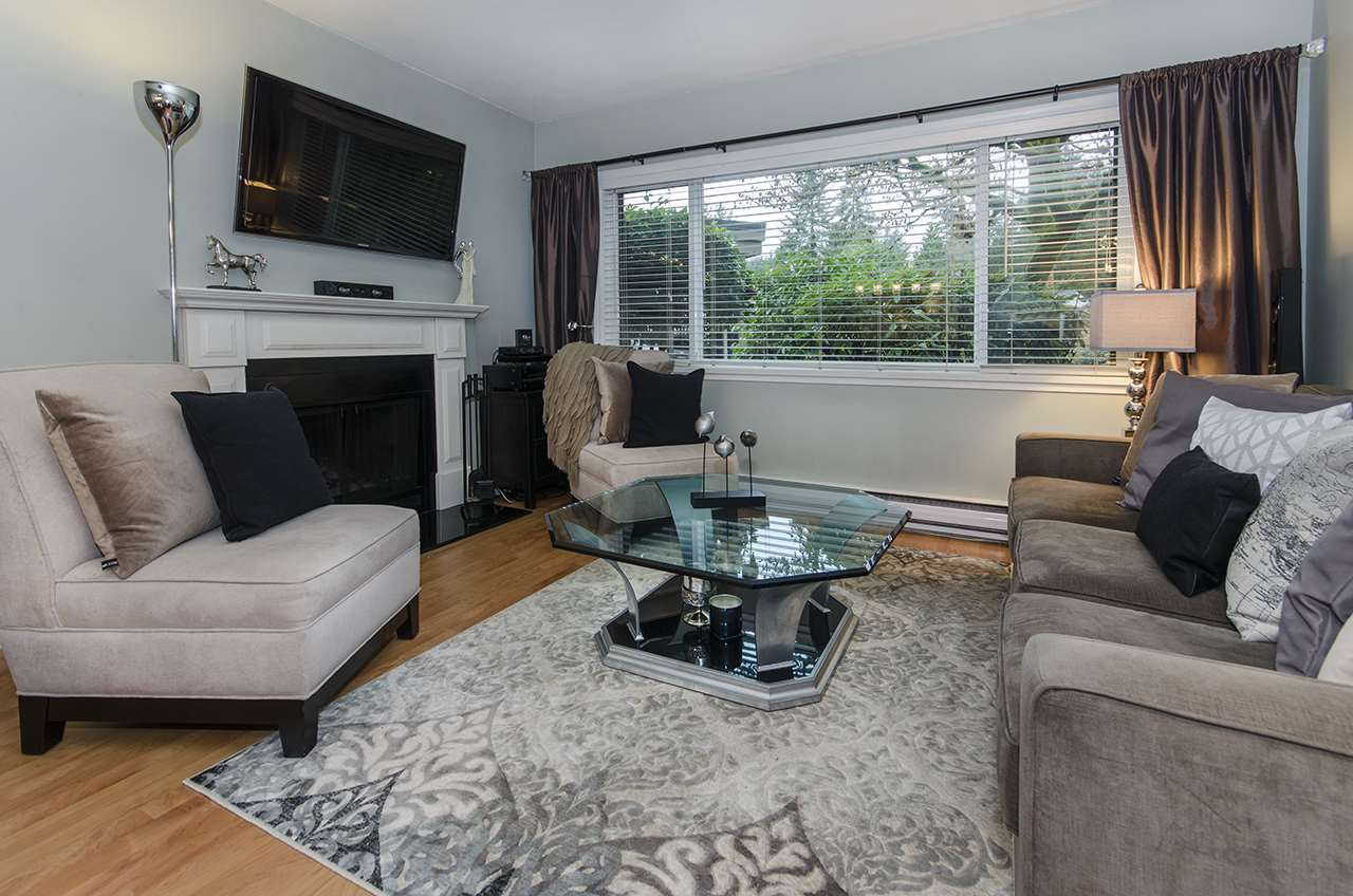 "Photo 16: Photos: 1237 PLATEAU Drive in North Vancouver: Pemberton Heights Condo for sale in ""Plateau Village"" : MLS® # R2224037"