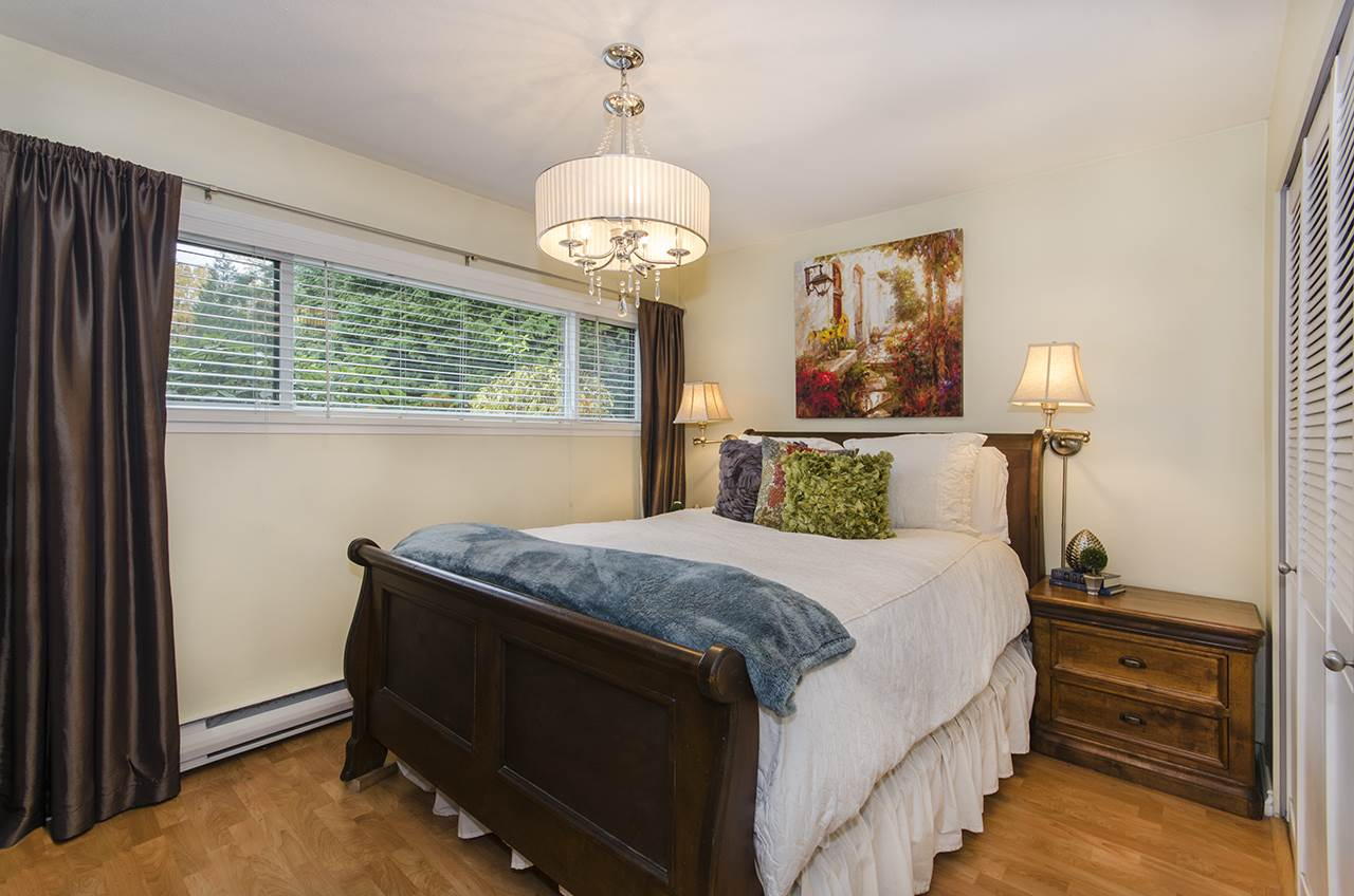 "Photo 17: Photos: 1237 PLATEAU Drive in North Vancouver: Pemberton Heights Condo for sale in ""Plateau Village"" : MLS® # R2224037"