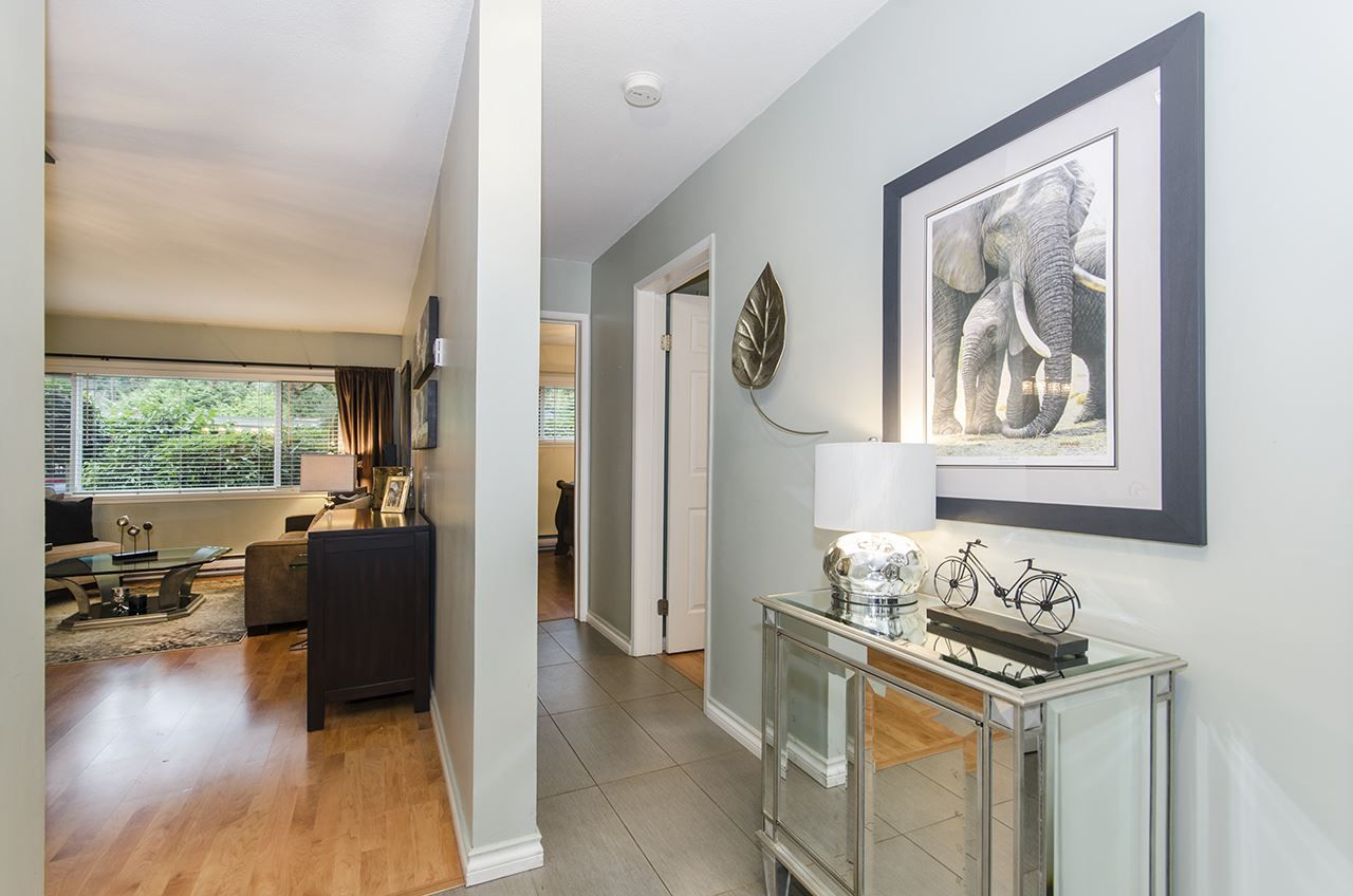"Photo 10: Photos: 1237 PLATEAU Drive in North Vancouver: Pemberton Heights Condo for sale in ""Plateau Village"" : MLS® # R2224037"