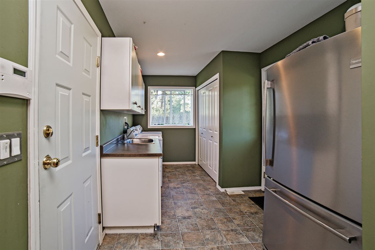 "Photo 9: Photos: 8056 GUEST Terrace in Mission: Mission BC House for sale in ""Golf Course/Sport Park"" : MLS® # R2231394"