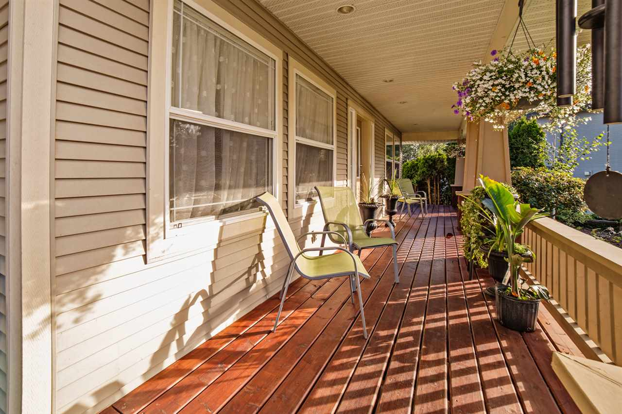 "Photo 2: Photos: 8056 GUEST Terrace in Mission: Mission BC House for sale in ""Golf Course/Sport Park"" : MLS® # R2231394"