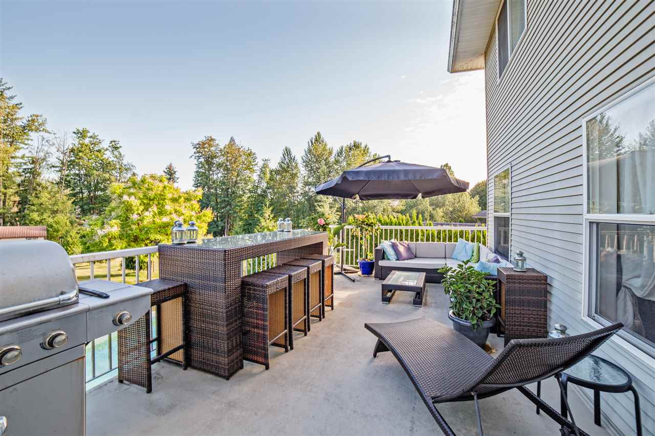 "Photo 18: Photos: 8056 GUEST Terrace in Mission: Mission BC House for sale in ""Golf Course/Sport Park"" : MLS® # R2231394"