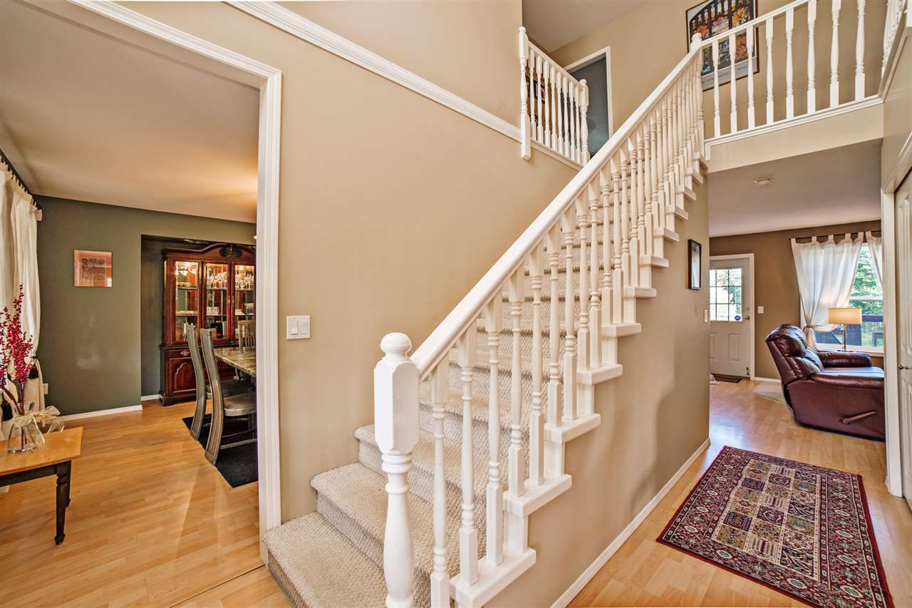 "Photo 3: Photos: 8056 GUEST Terrace in Mission: Mission BC House for sale in ""Golf Course/Sport Park"" : MLS® # R2231394"