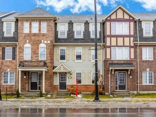 Main Photo: 33 Ganton Heights in Brampton: Northwest Brampton House (3-Storey) for sale : MLS® # W4048644