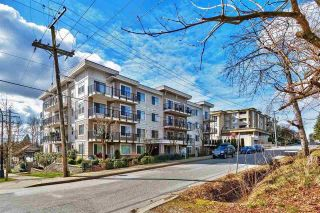 "Main Photo: 305 22290 NORTH Avenue in Maple Ridge: West Central Condo for sale in ""SOLO"" : MLS® # R2246731"