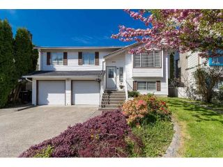"Main Photo: 9212 209A Crescent in Langley: Walnut Grove House for sale in ""Walnut Grove"" : MLS®# R2271718"