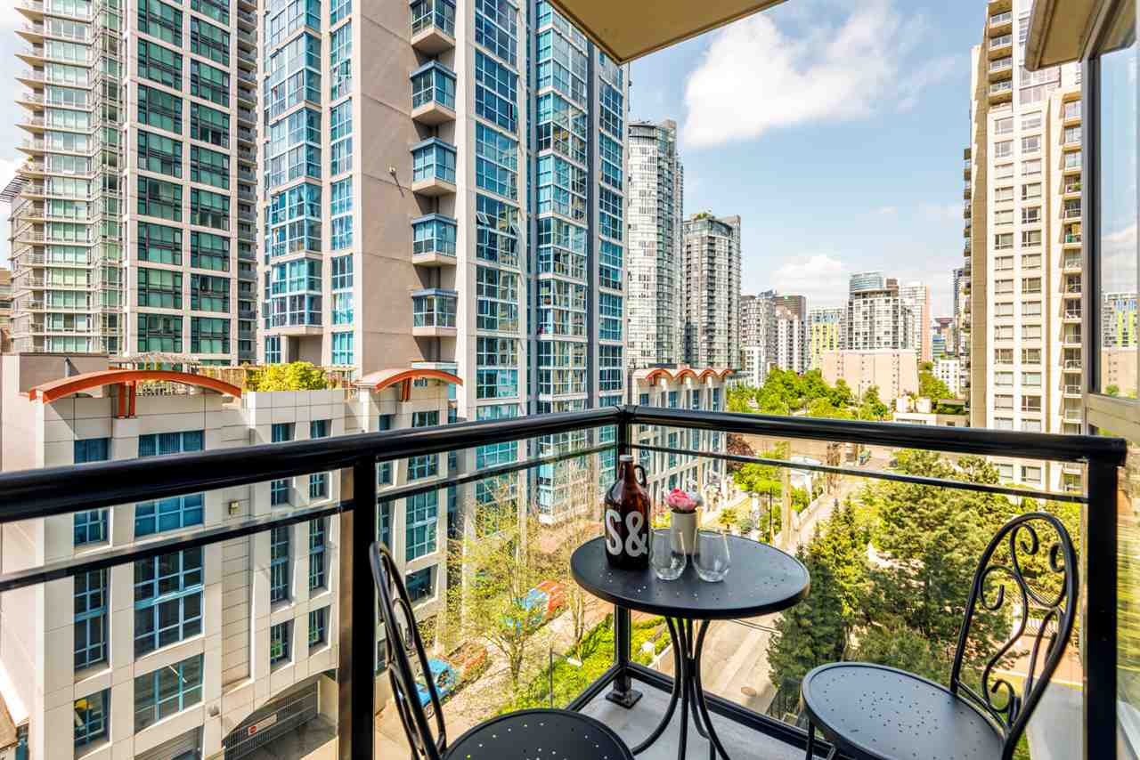 "Main Photo: 801 1295 RICHARDS Street in Vancouver: Downtown VW Condo for sale in ""The Oscar"" (Vancouver West)  : MLS®# R2272975"