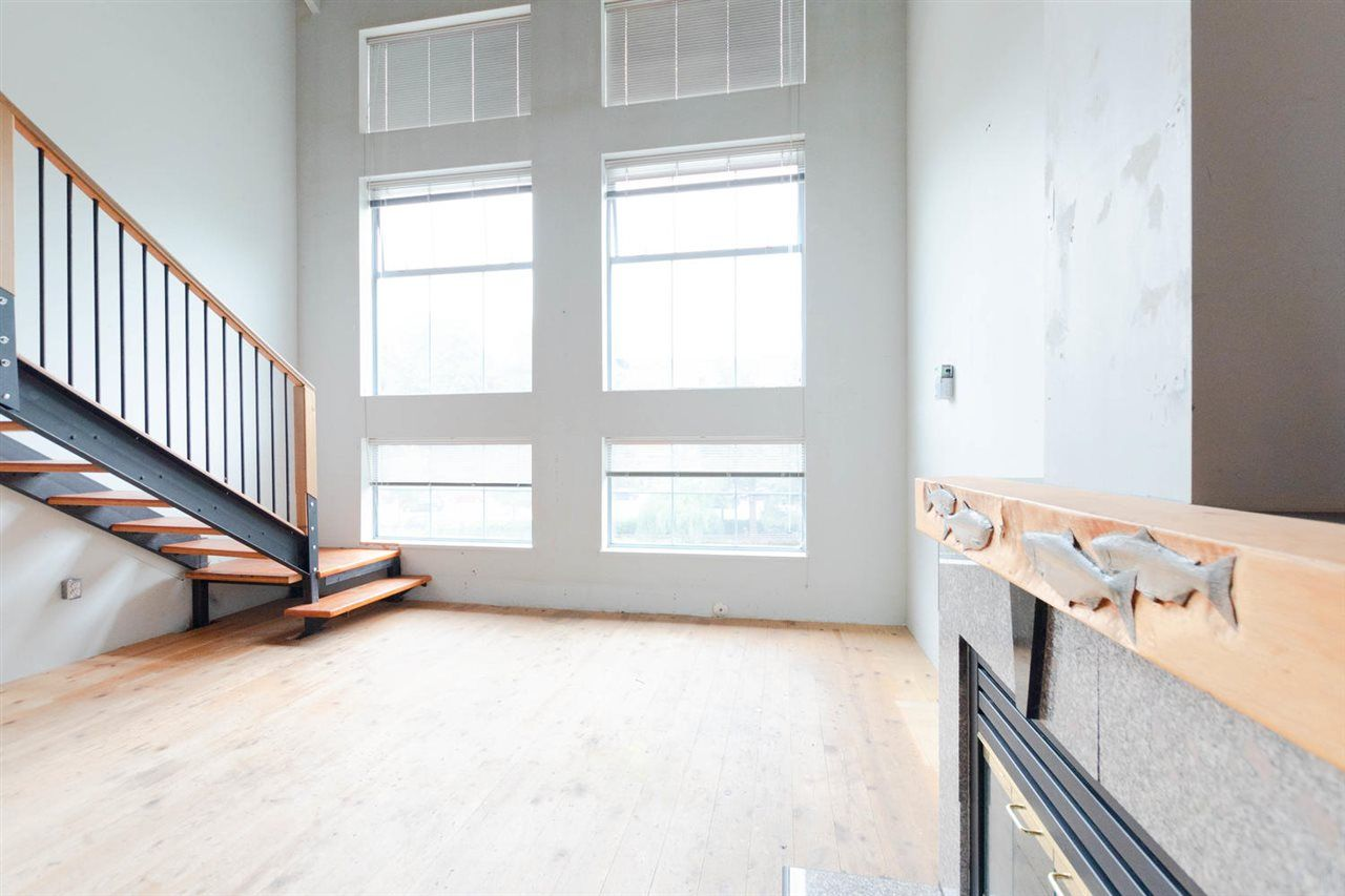 "Main Photo: 403 336 E 1ST Avenue in Vancouver: Mount Pleasant VE Condo for sale in ""Artech"" (Vancouver East)  : MLS®# R2295420"