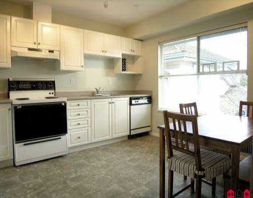 "Photo 2: 15 5664 208TH ST in Langley: Langley City Townhouse for sale in ""THE MEADOWS"" : MLS(r) # F2601507"