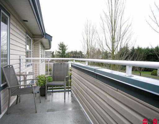 "Photo 8: 15 5664 208TH ST in Langley: Langley City Townhouse for sale in ""THE MEADOWS"" : MLS(r) # F2601507"