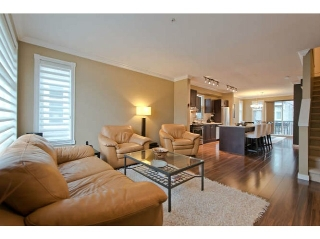 "Main Photo: 720 ORWELL Street in North Vancouver: Lynnmour Townhouse for sale in ""WEDGEWOOD"" : MLS® # V1050702"