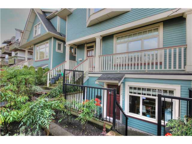 "Main Photo: 1512 GRAVELEY Street in Vancouver: Grandview VE Townhouse for sale in ""COMMERCIAL DRIVE"" (Vancouver East)  : MLS® # V1055393"