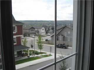 Main Photo: 50 EVANSVIEW Road NW in CALGARY: Evanston Townhouse for sale (Calgary)  : MLS(r) # C3610458