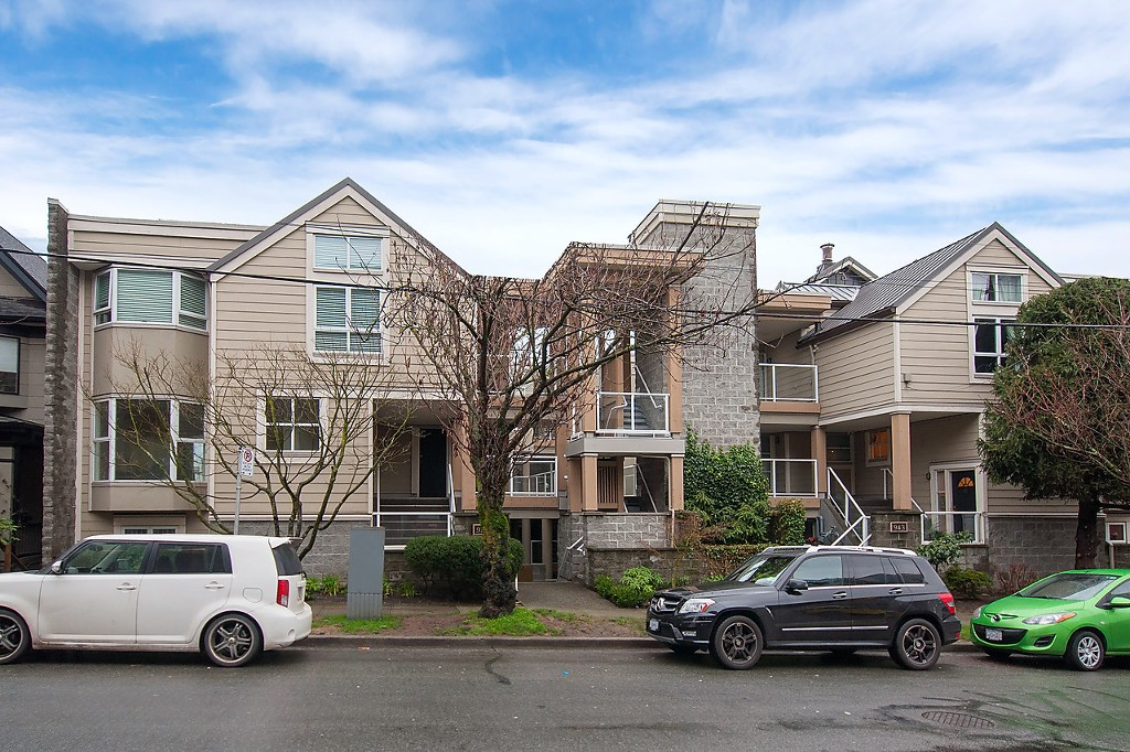 "Main Photo: 101 953 W 8TH Avenue in Vancouver: Fairview VW Townhouse for sale in ""SOUTHPORT"" (Vancouver West)  : MLS® # V1105092"