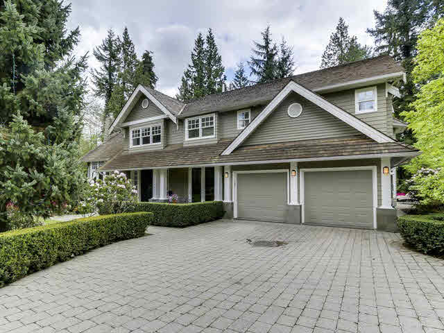 Main Photo: 424 GORDON Avenue in WEST VANC: Cedardale House for sale (West Vancouver)  : MLS®# V1136343