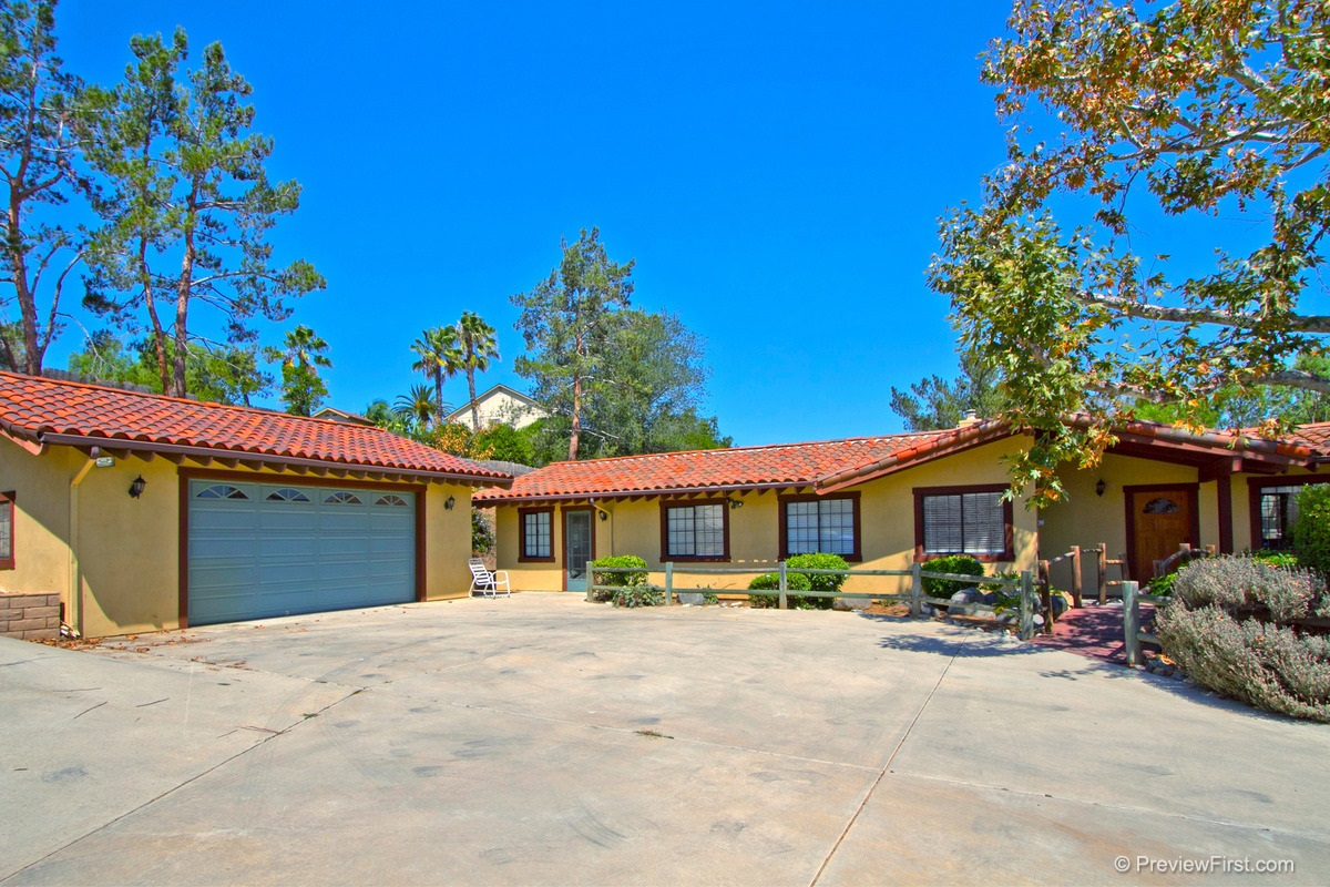 Main Photo: FALLBROOK House for sale : 4 bedrooms : 4425 Orange Hill