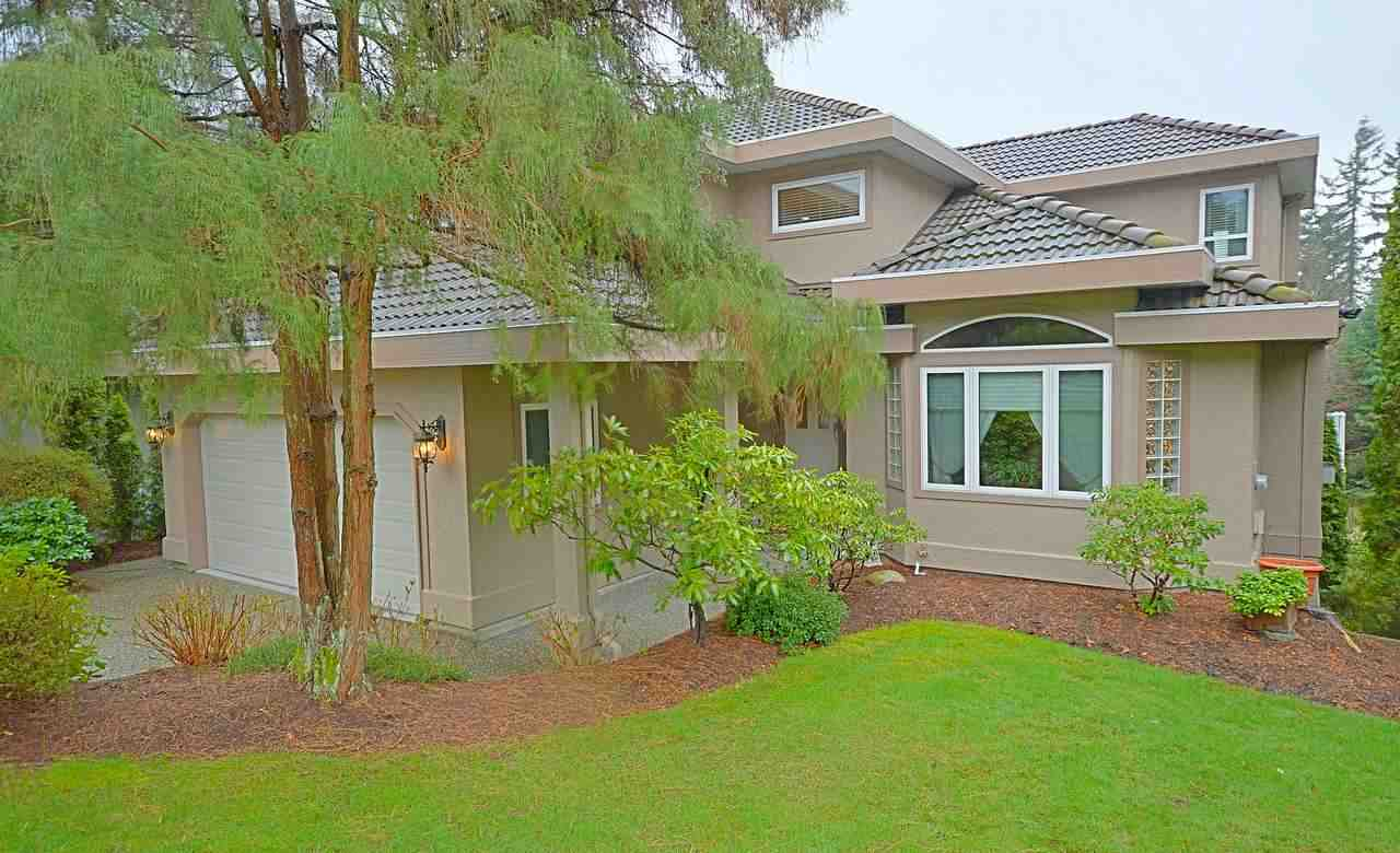 "Main Photo: 2606 SANDSTONE Court in Coquitlam: Westwood Plateau House for sale in ""WESTWOOD PLATEAU"" : MLS®# R2043930"