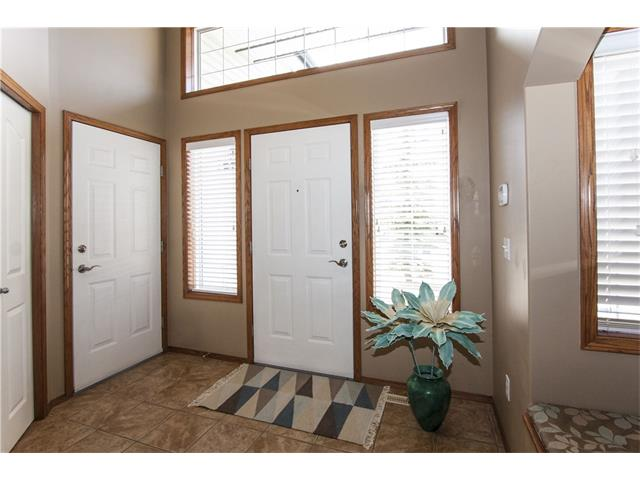 Photo 2: 126 PANAMOUNT Heights NW in Calgary: Panorama Hills House for sale : MLS(r) # C4058688