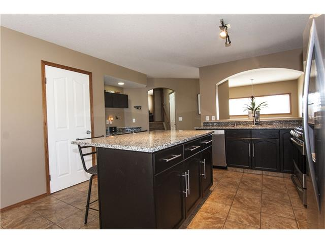 Photo 9: 126 PANAMOUNT Heights NW in Calgary: Panorama Hills House for sale : MLS(r) # C4058688