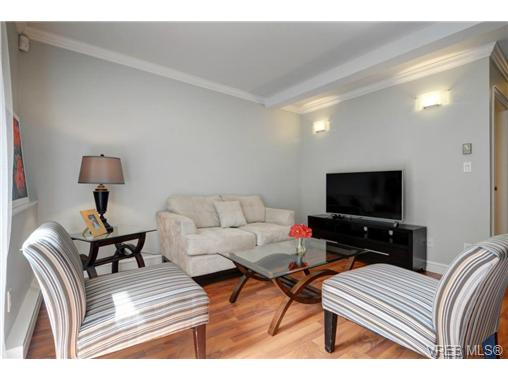 Photo 5: C 142 St. Lawrence Street in VICTORIA: Vi James Bay Townhouse for sale (Victoria)  : MLS® # 368037