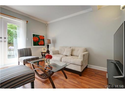 Photo 3: C 142 St. Lawrence Street in VICTORIA: Vi James Bay Townhouse for sale (Victoria)  : MLS® # 368037