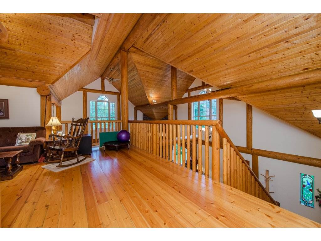 Photo 12: 857 MYNG Crescent: Harrison Hot Springs House for sale : MLS(r) # R2115824