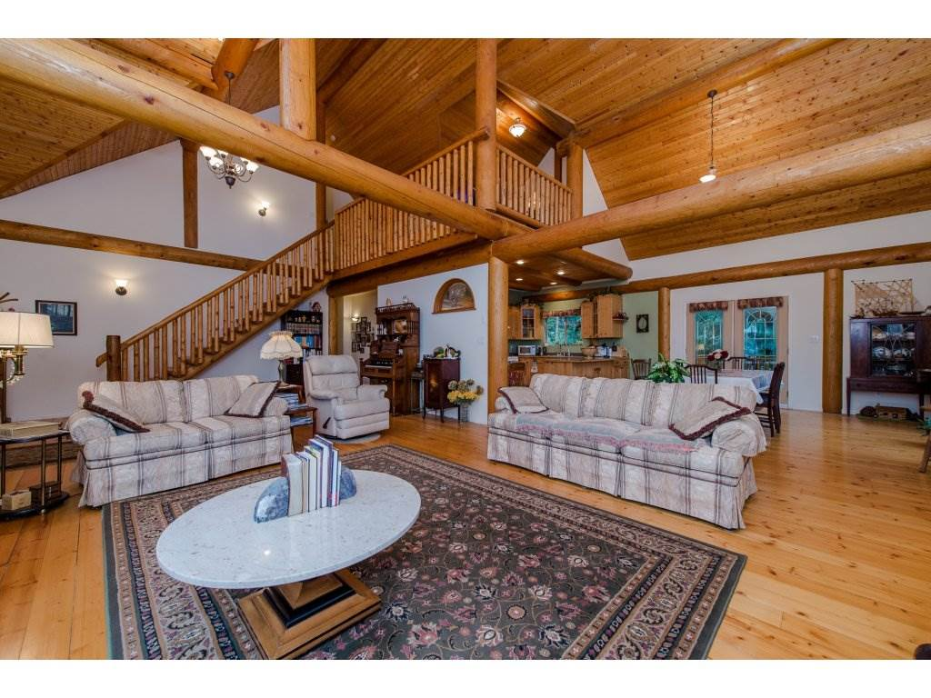 Photo 4: 857 MYNG Crescent: Harrison Hot Springs House for sale : MLS(r) # R2115824