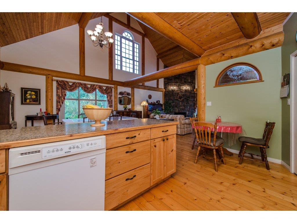 Photo 8: 857 MYNG Crescent: Harrison Hot Springs House for sale : MLS(r) # R2115824