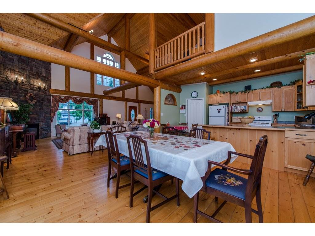 Photo 5: 857 MYNG Crescent: Harrison Hot Springs House for sale : MLS(r) # R2115824