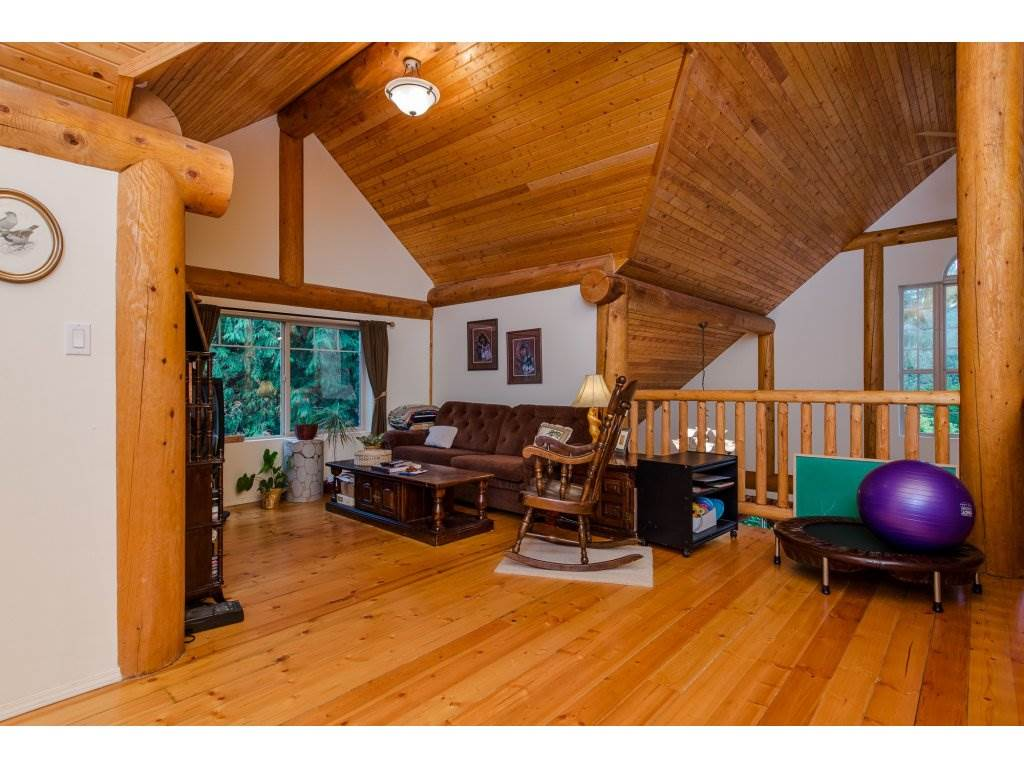 Photo 13: 857 MYNG Crescent: Harrison Hot Springs House for sale : MLS(r) # R2115824