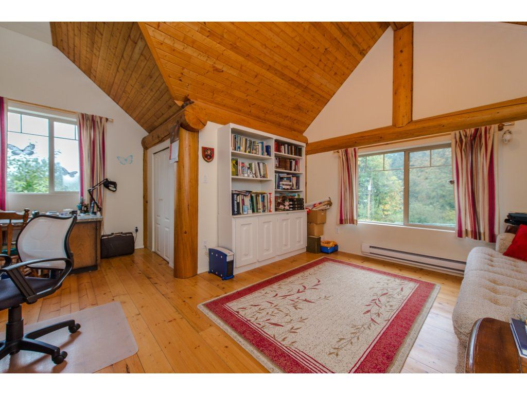 Photo 15: 857 MYNG Crescent: Harrison Hot Springs House for sale : MLS(r) # R2115824