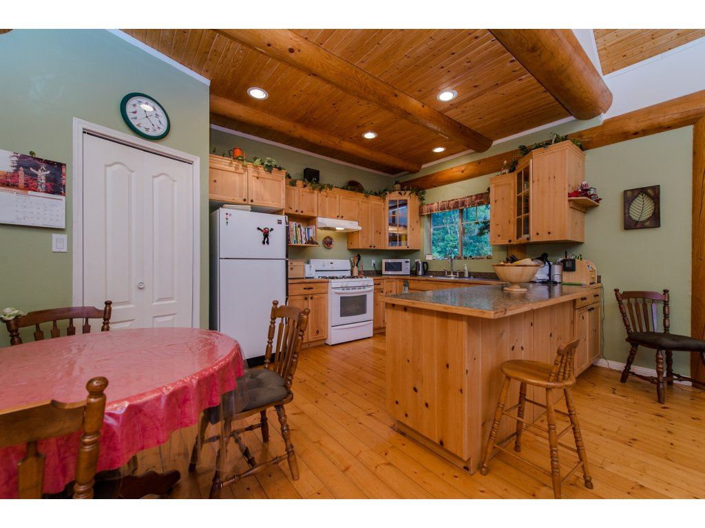 Photo 6: 857 MYNG Crescent: Harrison Hot Springs House for sale : MLS(r) # R2115824