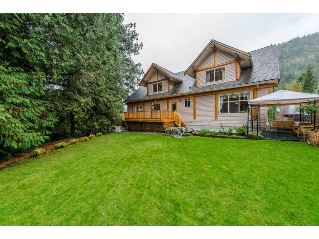 Photo 18: 857 MYNG Crescent: Harrison Hot Springs House for sale : MLS(r) # R2115824