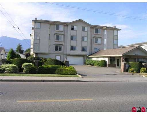 "Main Photo: 205 45660 KNIGHT Road in Sardis: Sardis West Vedder Rd Condo for sale in ""KNIGHT LODGE"" : MLS(r) # R2132116"