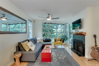 "Main Photo: 201 2525 W 4TH Avenue in Vancouver: Kitsilano Condo for sale in ""THE SEAGATE"" (Vancouver West)  : MLS(r) # R2179217"