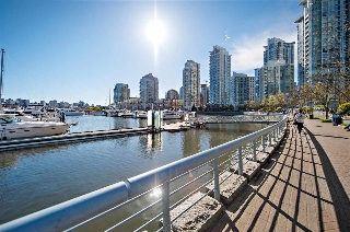 "Main Photo: 3603 1033 MARINASIDE Crescent in Vancouver: Yaletown Condo for sale in ""Quaywest Marinaside Resort"" (Vancouver West)  : MLS(r) # R2181954"