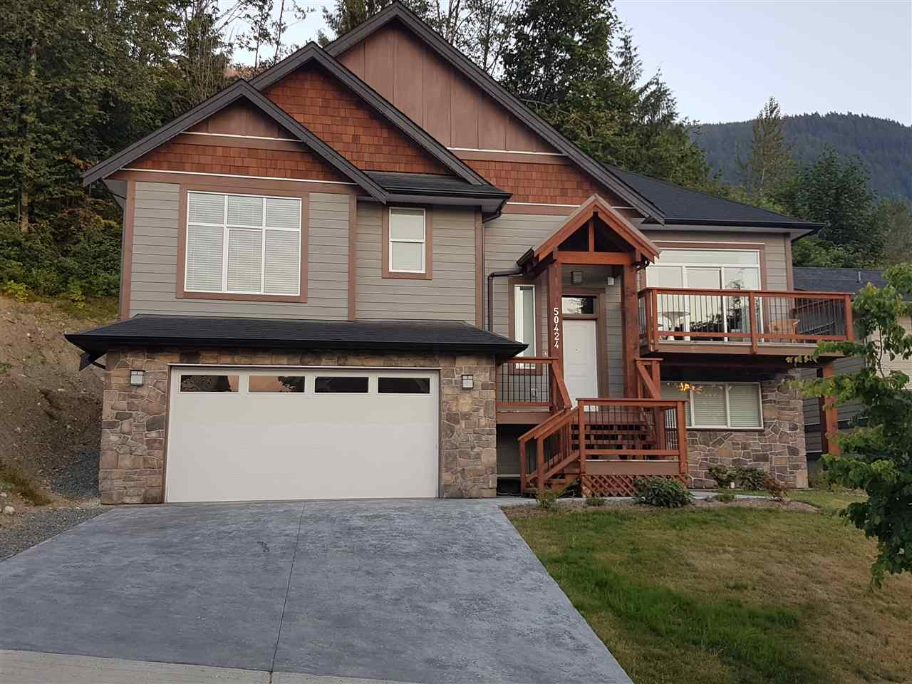 "Photo 1: Photos: 50424 KINGSTON Drive in Chilliwack: Eastern Hillsides House for sale in ""HIGHLAND SPRINGS"" : MLS® # R2201392"