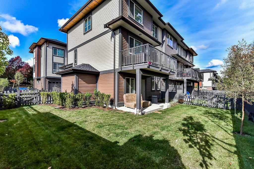 "Photo 11: Photos: 48 16118 87 Avenue in Surrey: Fleetwood Tynehead Townhouse for sale in ""ACADEMY"" : MLS® # R2213604"