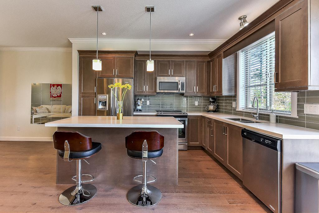 "Photo 2: Photos: 48 16118 87 Avenue in Surrey: Fleetwood Tynehead Townhouse for sale in ""ACADEMY"" : MLS® # R2213604"