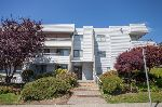"Main Photo: 305 1341 GEORGE Street: White Rock Condo for sale in ""OCEANVIEW"" (South Surrey White Rock)  : MLS® # R2215870"