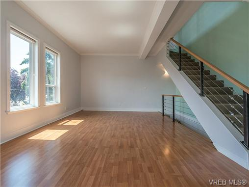 Main Photo: 4 635 Rothwell Street in VICTORIA: VW Victoria West Townhouse for sale (Victoria West)  : MLS® # 367920