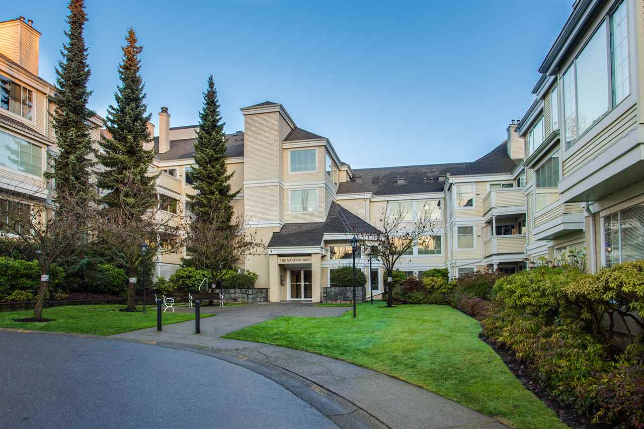 Main Photo: 302 6820 RUMBLE Street in Burnaby: South Slope Condo for sale (Burnaby South)  : MLS®# R2227693