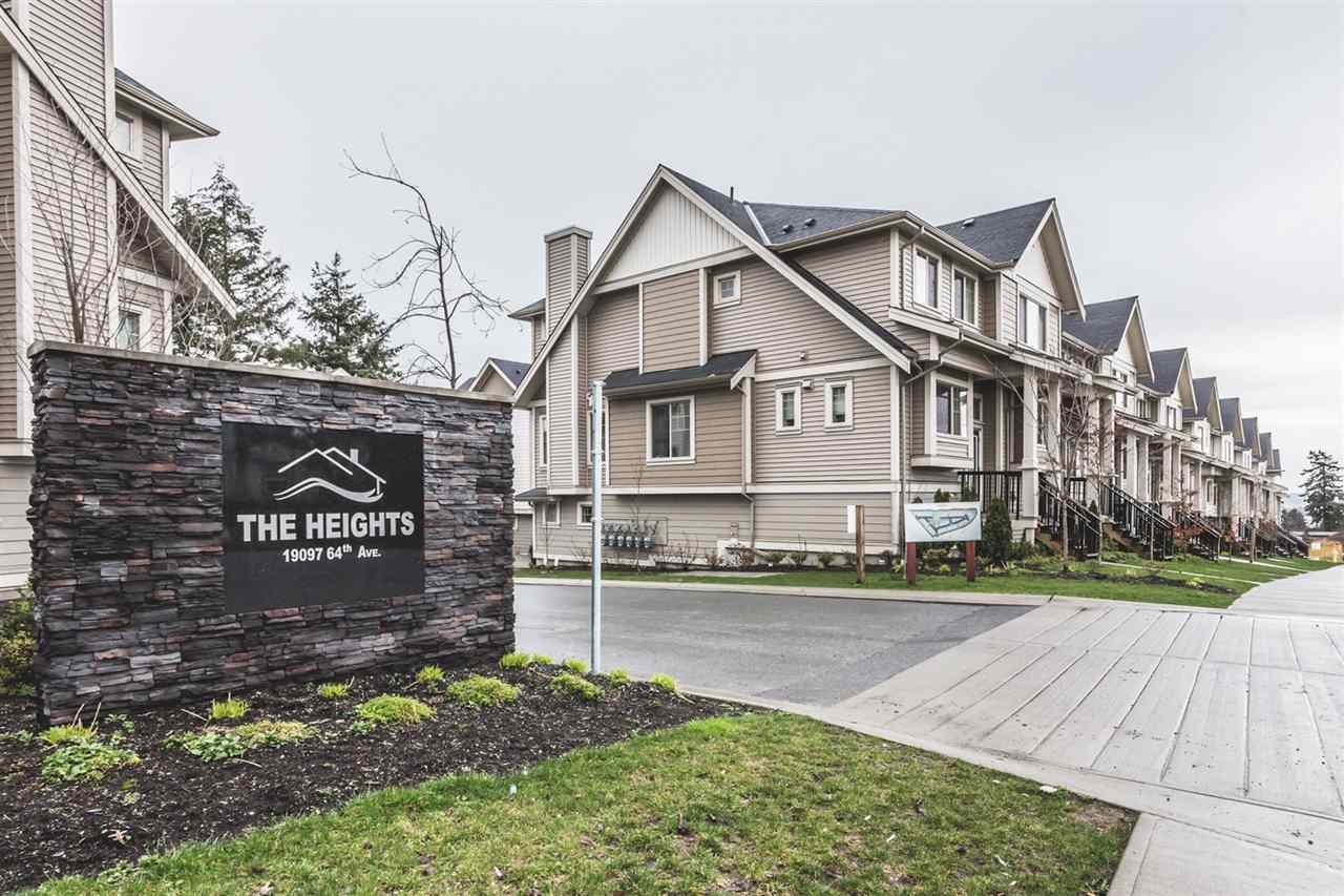 "Main Photo: 32 19097 64 Avenue in Surrey: Cloverdale BC Townhouse for sale in ""The Heights"" (Cloverdale)  : MLS® # R2231144"