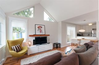 Main Photo: 2566 W 4TH Avenue in Vancouver: Kitsilano Townhouse for sale (Vancouver West)  : MLS®# R2249803