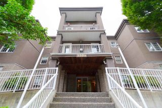 "Main Photo: 213 2375 SHAUGHNESSY Street in Port Coquitlam: Central Pt Coquitlam Condo for sale in ""CONNAMARA PLACE"" : MLS®# R2295736"