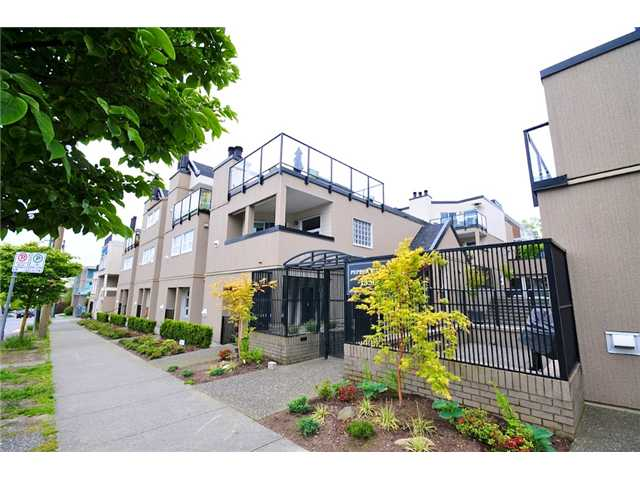 "Photo 10: 23 1350 W 6TH Avenue in Vancouver: Fairview VW Townhouse  in ""PEPPER RIDGE"" (Vancouver West)  : MLS® # V890428"