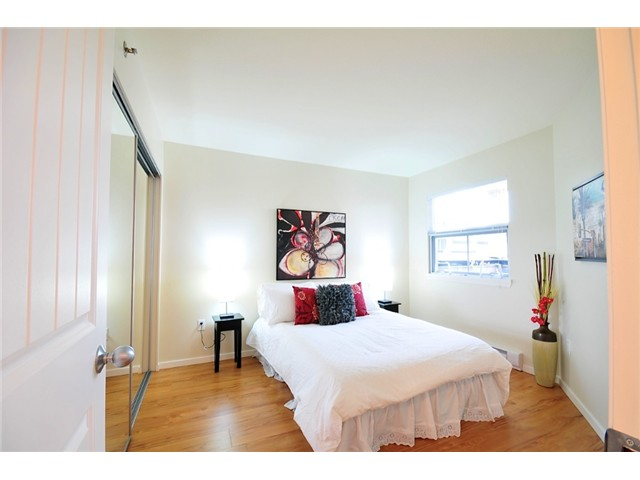"Photo 6: 23 1350 W 6TH Avenue in Vancouver: Fairview VW Townhouse  in ""PEPPER RIDGE"" (Vancouver West)  : MLS® # V890428"