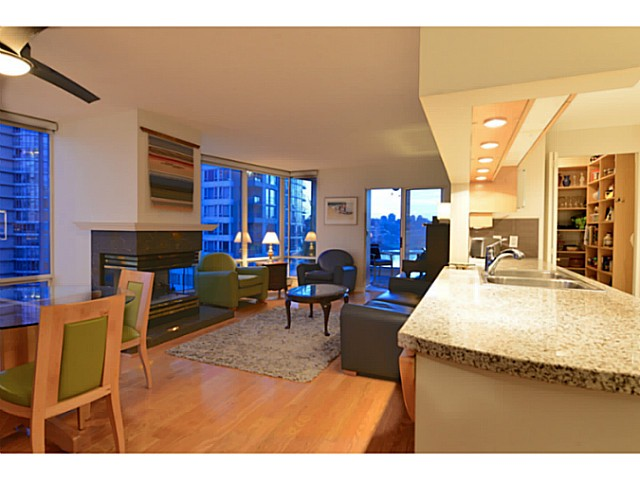 "Photo 4: 11A 139 DRAKE Street in Vancouver: Yaletown Condo for sale in ""CONCORDIA II"" (Vancouver West)  : MLS® # V1039147"