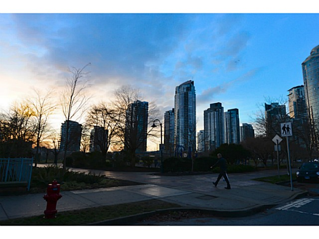 "Photo 15: 11A 139 DRAKE Street in Vancouver: Yaletown Condo for sale in ""CONCORDIA II"" (Vancouver West)  : MLS® # V1039147"