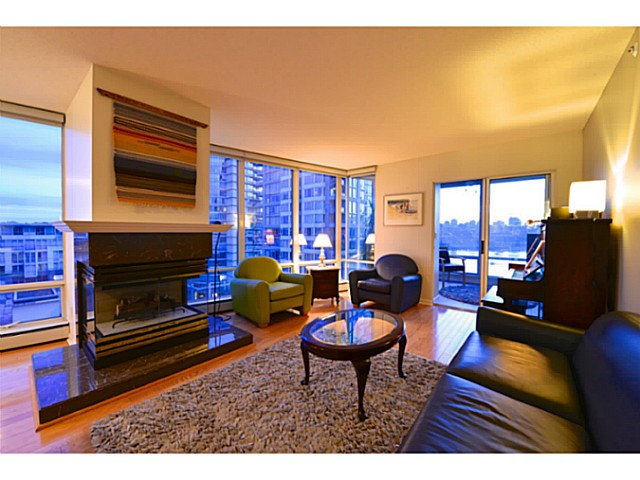 "Main Photo: 11A 139 DRAKE Street in Vancouver: Yaletown Condo for sale in ""CONCORDIA II"" (Vancouver West)  : MLS(r) # V1039147"